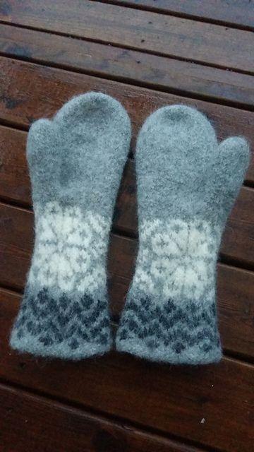 Ravelry: Jääkukkaset pattern by Elina Hänninen - free knitting pattern