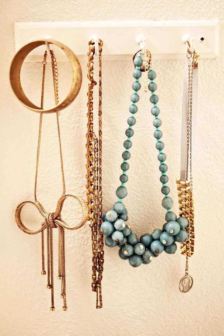 cute necklaces: Organization, Idea, Bow Necklace, Jewelry Display, Blue Necklace, Diy Project, Jewellery Display