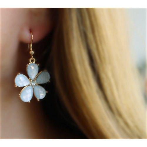 Náušnice Margaretha Blue | Womanology.sk #nausnice #earrings #ohrringe #bizuteria #bijouterie #bijoux #schmuck #accessories #fashionjewelry #fashionjewellery #modeschmuck #accessories #doplnky #moda #styl #fashion #style #womanology