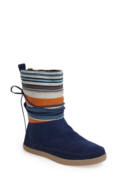 TOMS striped boot http://rstyle.me/n/qe72vnyg6