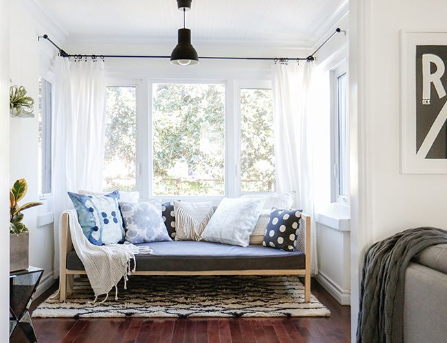 Contemporary Relaxed Style / white walls, wood floors, blue and gray accents /  We've known Kelli Lamb of Rue Magazine for quite a while now, thanks to industry events and socials, so we thought it time to sit down for an interview and rack her savvy brain!