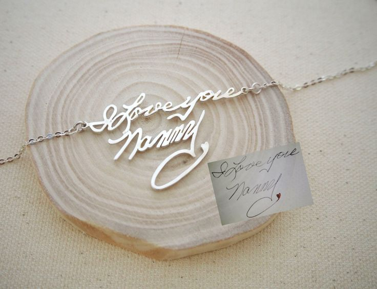 20% di sconto * Memorial firma collana - grafia personalizzata regalo della collana - Keepsake gioielli in argento Sterling - damigella d'onore di CaitlynMinimalist su Etsy https://www.etsy.com/it/listing/211314184/20-di-sconto-memorial-firma-collana