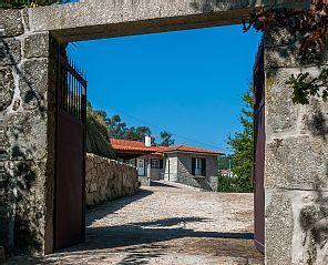 A Casa nos Penedos é o sitio ideal para uma férias relaxantesAluguer de férias em Arcos de Valdevez - Peneda da @homeawaypt