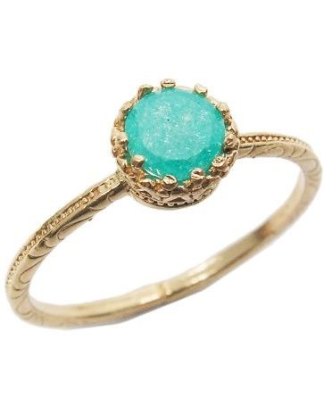 Gold ring. Garnet gold ring