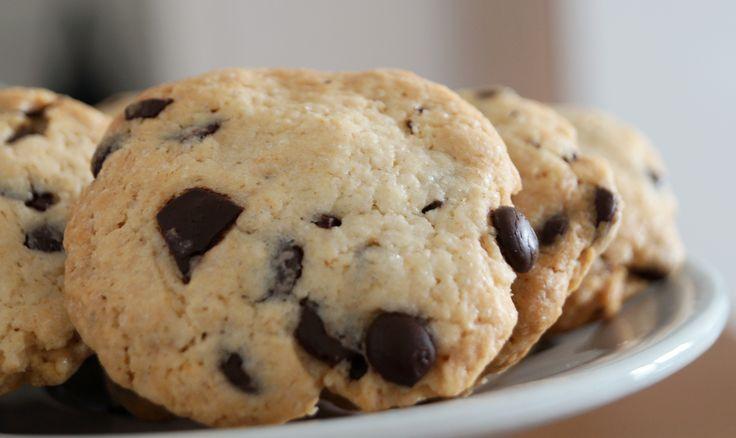Falls ihr auch so verrückt nach den Cookies  von Starbucks & Co. seid wie wir, dann schaut auf unserem Blog vorbei. Dort findet ihr ein super einfaches Rezept. Vor allem warm ein Genuss