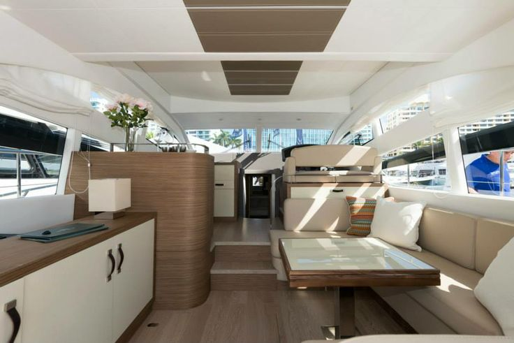 Modelo Muse 44 de Rodman. Tapicerías interiores y exteriores realizadas por Manuel Lamarca.
