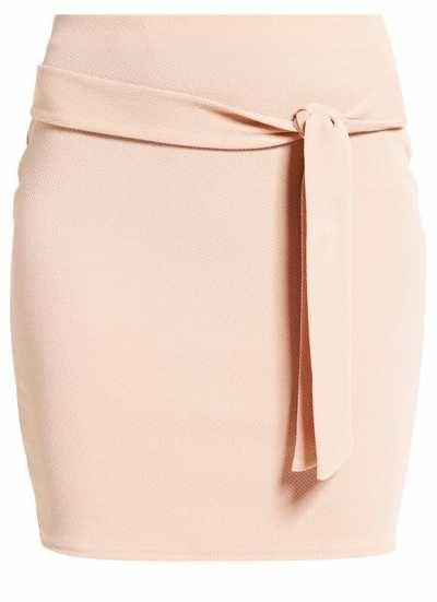 Las Faldas Son Preciosas Las minfaldas/faldas cortas son sinónimo de feminidad…