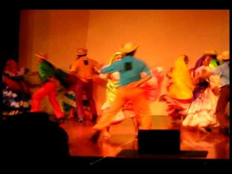 Carnaval de San Miguel y el Xuc Del Torito..con todo !...Presentación de El Ballet Folklorico Nacional de El Salvador. .En el Auditorio Ignacio Ellacuría, Ce...