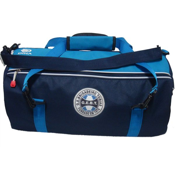 A bolsaesportivaé espaçosa e perfeita para o jogador transportar seu equipamento de jogo, suas roupas de viagem, acessórios e produtos de higiene pessoal