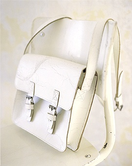 Leather satchel in crackled white