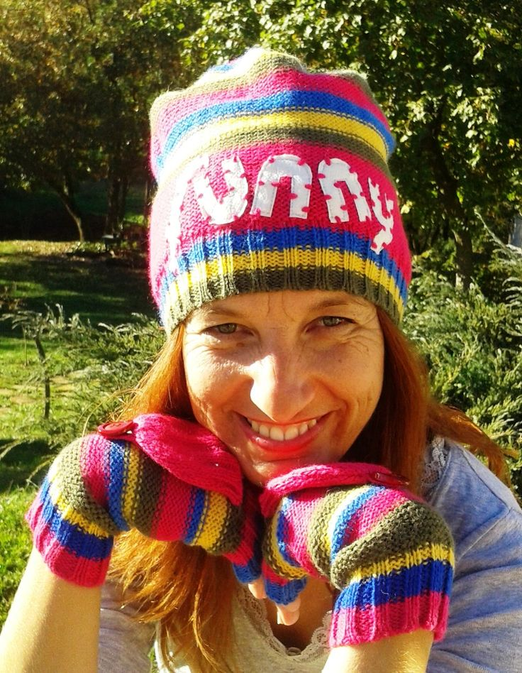 Funny multicolor knit hat and gloves