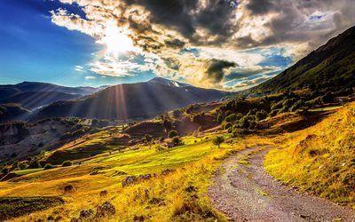 Scarica sfondi montagne, nuvole, sole, estate, sky, campi verdi