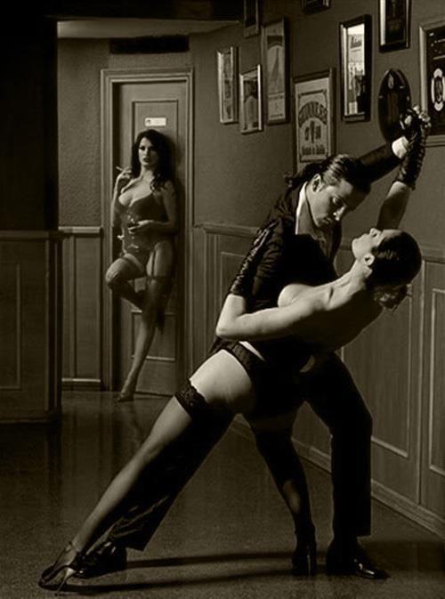 смотреть голых девушек в танго
