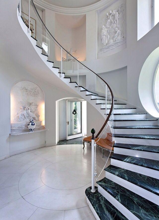 Loveeeeeeee love love the grandiose stair case look ...