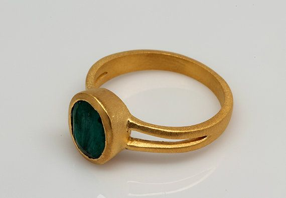 Raw Green Emerald Ring, Gemstone Ring, Raw Gemstone Ring, Raw Emerald Ring, May Birthstone Ring, Bezel Set Ring, Oval Ring, Gold Bezel Ring