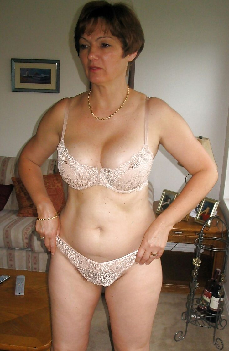 Candid Mature Women  Magnificent Matures-8552