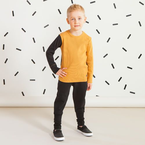 SNAP  junior housut, musta | Raikas kesämallisto 2016 on nyt saatavilla. Tee tilaus NOSH vaatekutsuilla, edustajalta tai verkosta nosh.fi (This clothing collection is available only in Finland but you can shop these wonderful prints from our SS16 fabric collection at en.nosh.fi)