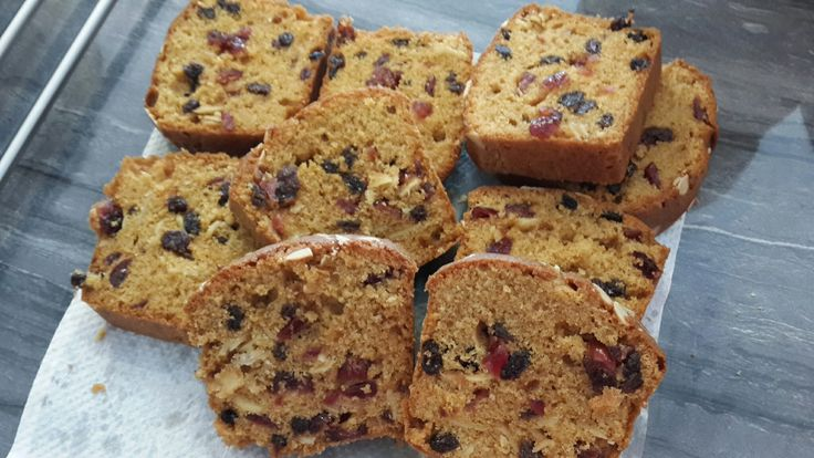 Fruit Cake with raisin, cranberry and almond
