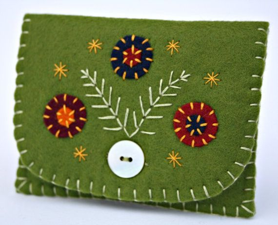 Handmade coin purse. Olive green felt by PuffinPatchwork on Etsy, $21.00