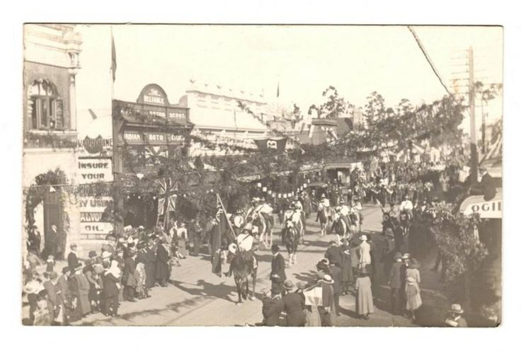 Real Photograph of The 1919 Peace Parade in Masterton. - 69824 - Postcard - Postcards Wairarapa-Bush. - Postcards New Zealand - Postcards By Country - EASTAMPS