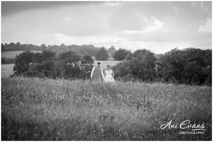 Dodford Manor relaxed wedding photography