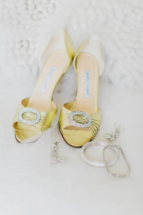 Manolo Blahnik Gold Bridal Shoes   photography by http://www.milouandolin.com
