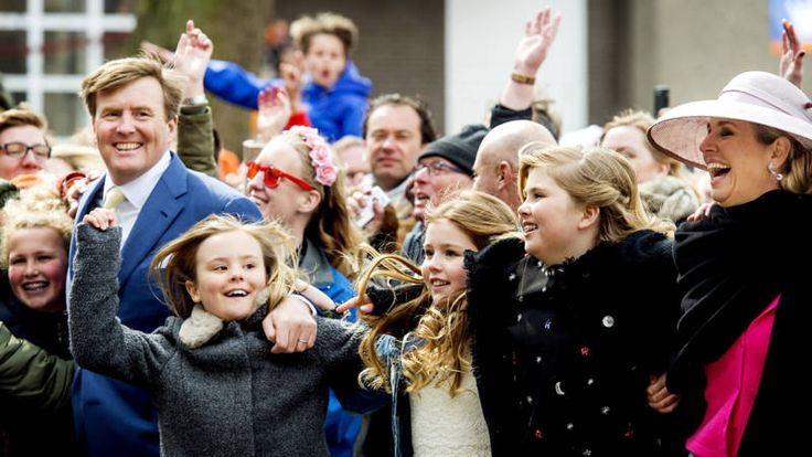 #noskoningsdag: koning viert vijftigste verjaardag in Tilburg | NOS