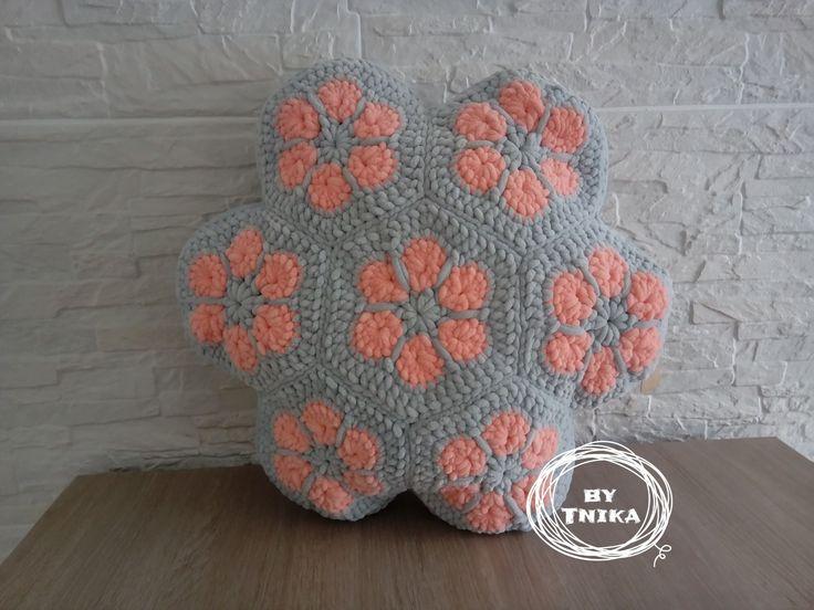 Cute pillow AFRIKAN FLOWER I. Crochet, Háčkování
