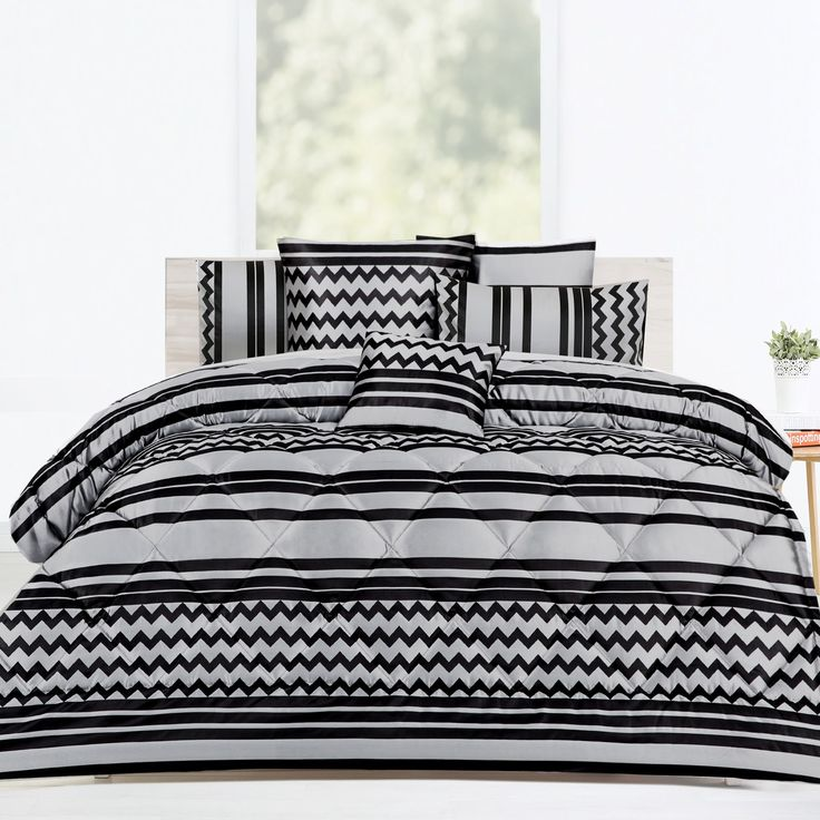 6 Pieces Saxon Comforter Set by Accessorize