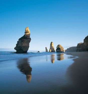Great Ocean Road and the 12 Apostles, Melbourne Australia... So I've already been here, but its time to return!! #Soon
