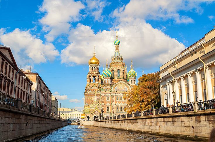 Photo of Saint Petersburg. Read how to get a Russian visa for American visiting Russia as tourists. Tips for the Russian visa application and planning your trip to Russia from the United States!
