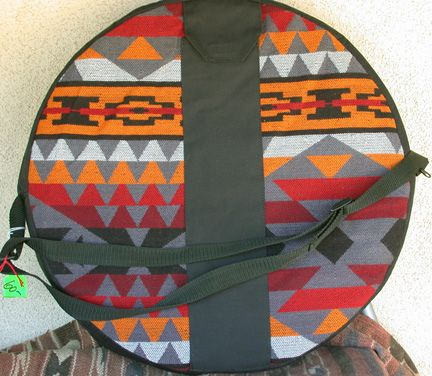 I love this style of drum bag.