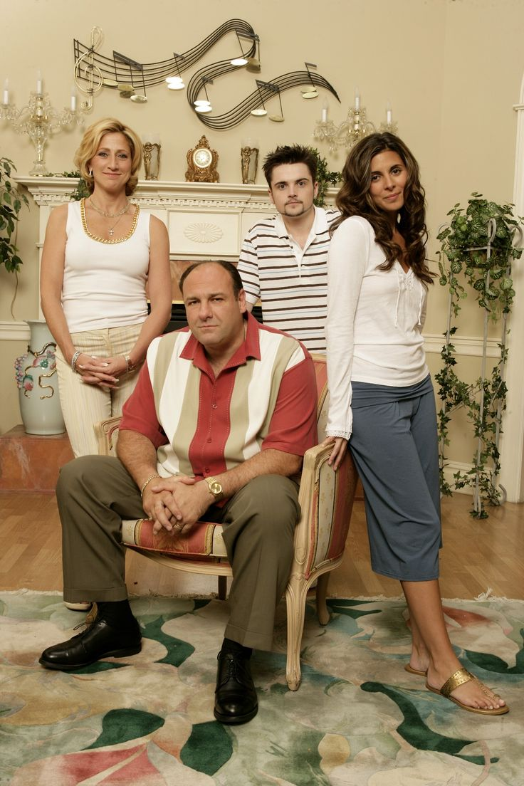 RIP Gandolfini    The Sopranos family photos