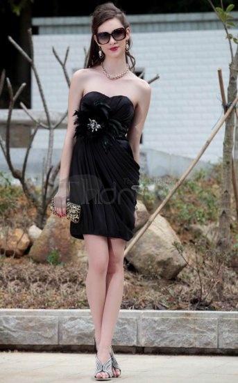De små svarta klänningar inslagna bröst Korta Partyklänningar