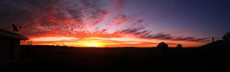 Our backyard sunset shot by a good friend #scenicrim #peakcrossing