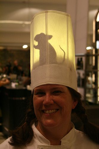 Ratatouille costume. I totally had this idea a few years ago and didn't do anything about it...I've never seen it...until now! Sigh
