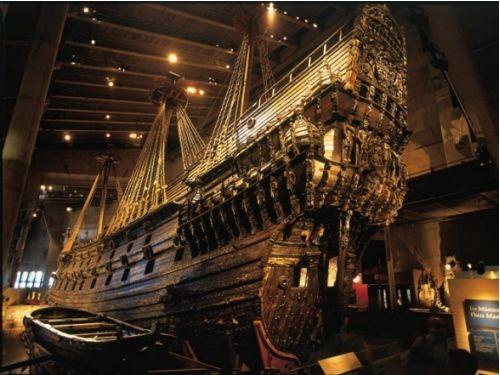"""Vasa Museet, museu - o """"Vasa"""" é uma embarcação do século 17 retirada do fundo do mar quase intacta. É uma das coisas mais impressionantes que já vi na vida e um dos museus mais organizados já visitei. > Galärvarvsvägen 14."""