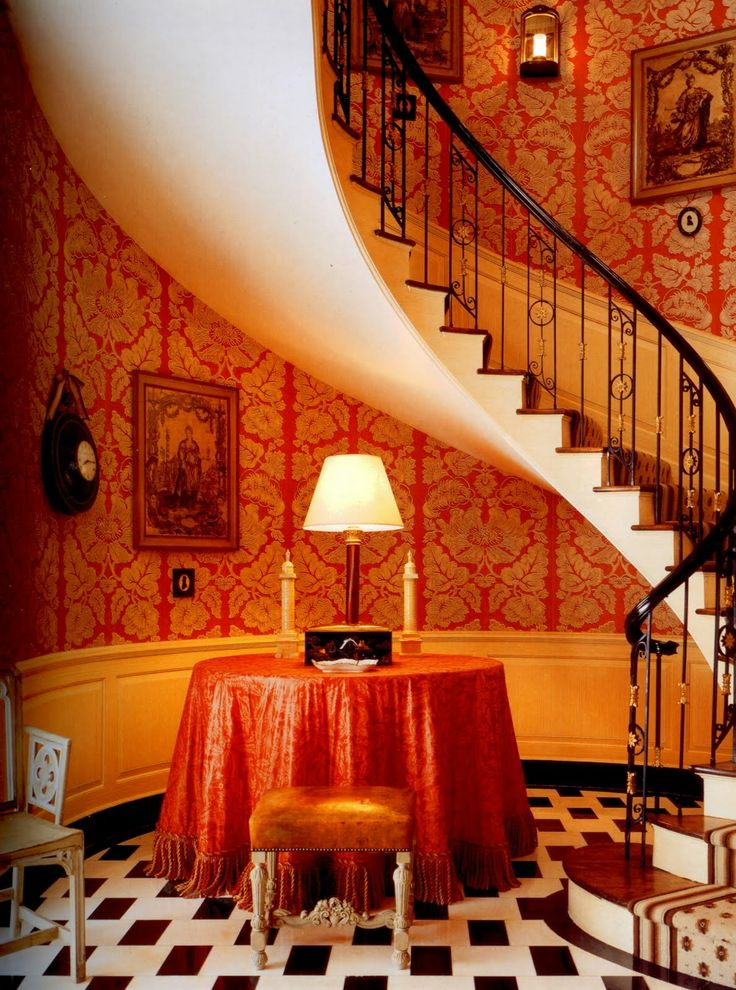 John Fowler Had Pembrook Wallpaper Damask Irvine Reproduced By Coles In A Sharp Salmon Color From