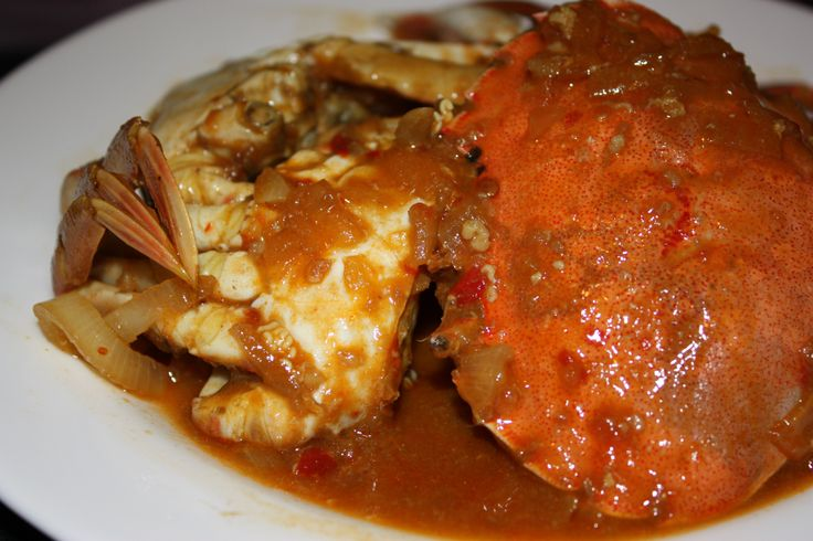 Chilli crabs, a must order dish in Singapore. I haven't tried the authentic Singaporean chilli crabs before but this version must be somewhere there (hopefully). A super-easy chilli crabs recipe fr...