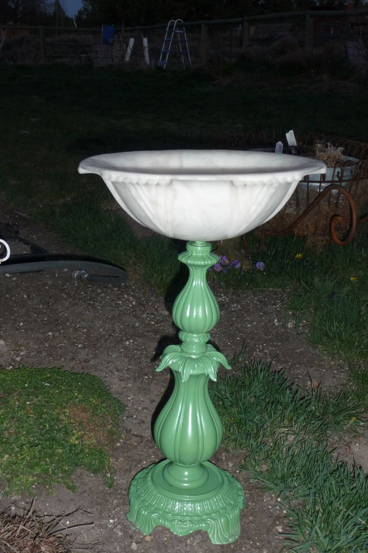 homemade bird bath from old lamp parts,all thread light cover