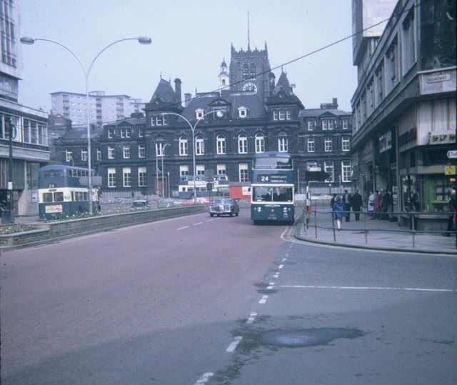 Cheapside, Bradford City Centre by David Hillas, via Geograph