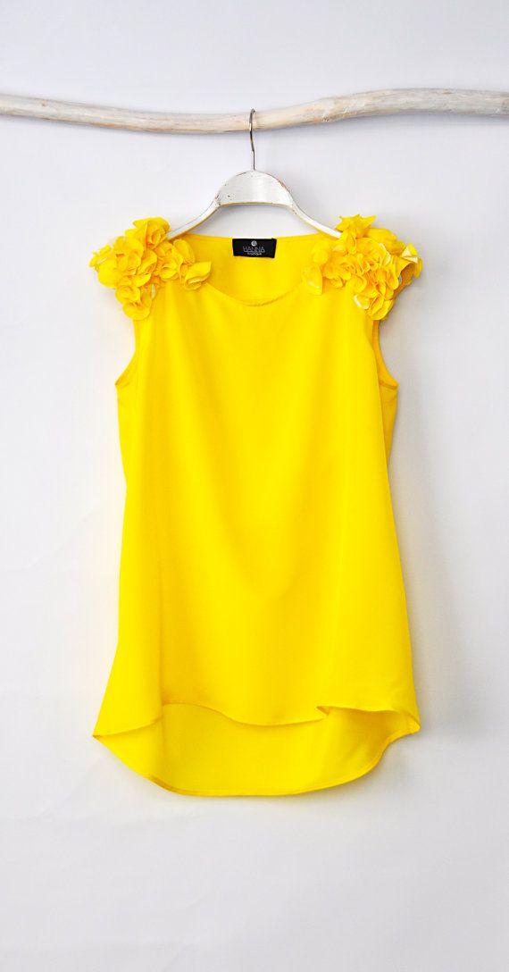 Yellow Blouse Loose Blouse por HannaBoutiqueHB en Etsy, €35.90