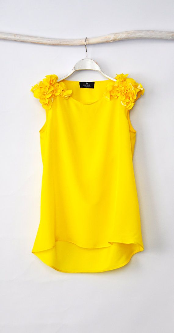 Loose Blouse Yellow Sleeveless Blouse by HannaBoutiqueHB on Etsy, €24.00