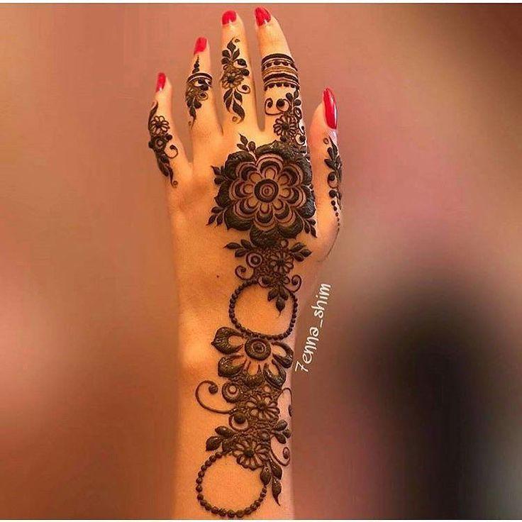"61 Likes, 2 Comments - MARIA MULALIV | HENNA | MUA (@beautycorner_maria) on Instagram: ""@7enna_shim lovely design #mysyle #mydubai #hennadubai #henna #hennaart #dubaihenna #tribalhenna…"""