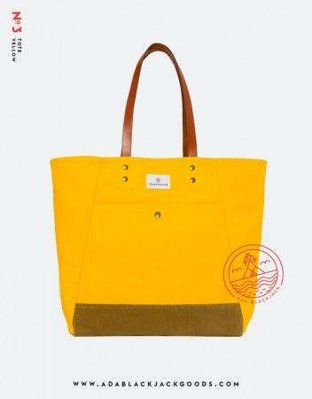ADA BLACKJACK SS'13 na FUTU.PL Ada Blackjack to marka specjalizująca się w dostarczaniu monochromatycznych, kolorowych plecaków i toreb. Projektu brandingu dla najnowszej kolekcji dostarczył niemiecki designer Tobias van Schneider, który od jakiegoś czasu tworzy i mieszka w Nowym Jorku.