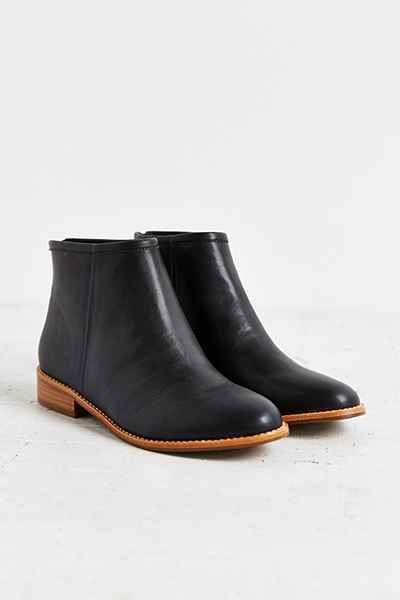 Poppy Ankle Boot - Urban Outfitters