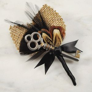 black and gold wedding boutonniere...love this with the skeleton key in it! it could be the key to my heart :D