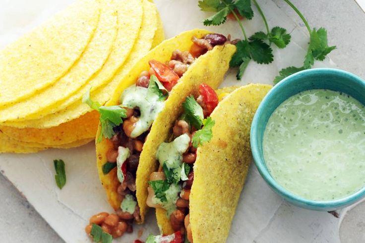 24 augustus - Lekker voedzaam, deze Mexicaans getinte chili vol bonen en groenten - Recept - Allerhande