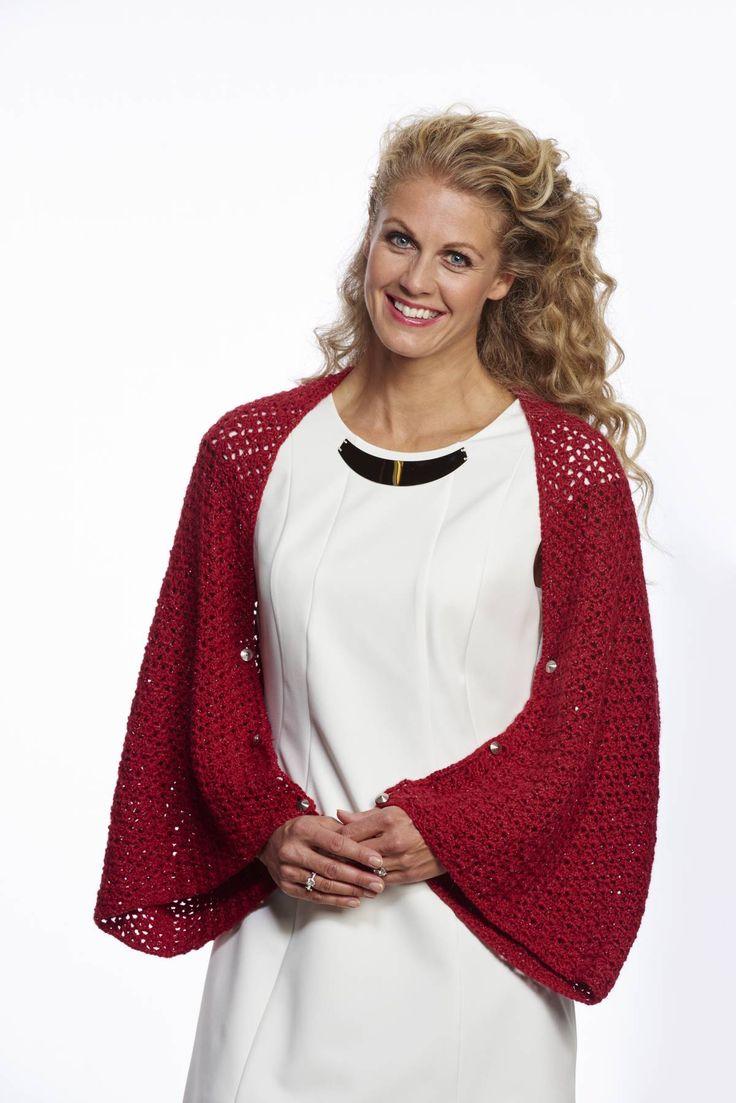 Crochet shawl/bolero. Yarn: Fin from Du Store Alpakka. Published in Familien no. 1/2015.