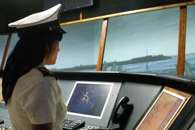Una parte considerable de los estudiantes de la Academia Naval son mujeres.